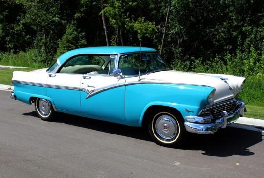 1956 Ford Fairlane Sedan
